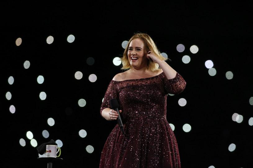 Adele od dłuższego czasu nie pokazywała się publicznie. Teraz pojawiła się na widowni podczas finału NBA. Przeszła spektakularną metamorfozę.