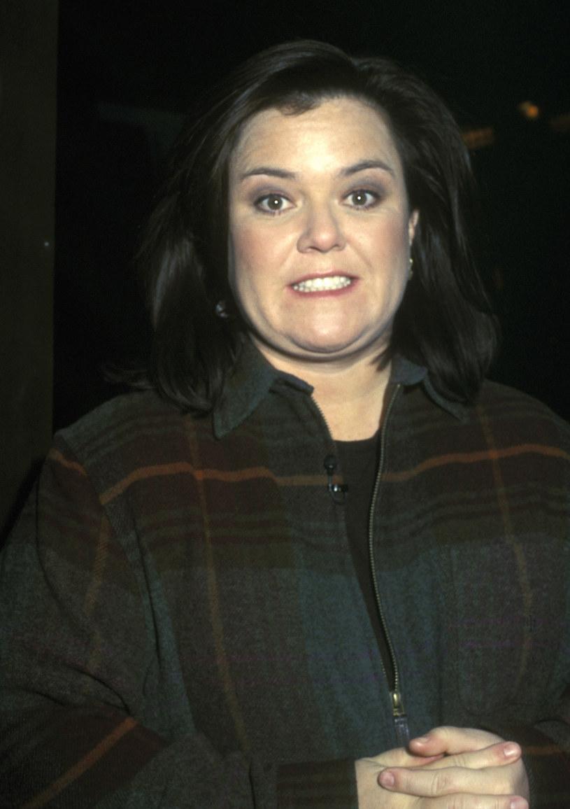 """Popularna aktorka i prowadząca talk show po latach wróciła do sytuacji z października 1999 roku. Wtedy w swoim programie zdradziła niespodziewany zwrot akcji z zakończenia filmu """"Podziemny krąg"""". Zrobiła tak, bo film Davida Finchera jej się nie spodobał i w jej ocenie pozbawiony był smaku. """"Powinnam być bardziej ostrożna"""" – ocenia po ponad 20 latach Rosie O'Donnell."""