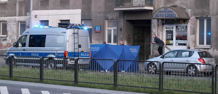Stołeczna policja szuka sprawcy śmiertelnego wypadku przy ulicy Grochowskiej. W wyniku zderzenia osobówki i skutera zmarł 49-letni mężczyzna.