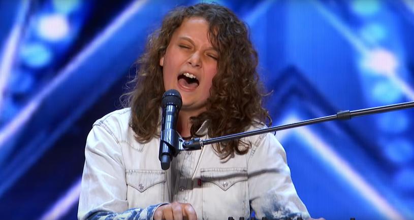 """14-letni Dylan Zangwill podbija sieć. Młody uczestnik """"Mam talent"""" w spektakularny sposób wykonał wielki przebój Queen """"Somebody to Love""""."""