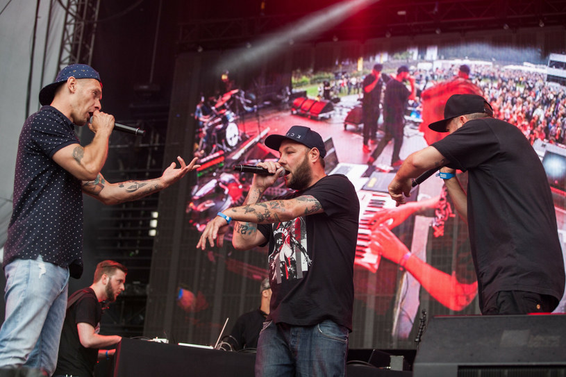 Rapowy skład Molesta Ewenement zdecydował, że nie wystąpi na FEST Festiwal. Jako powód podaje decyzję organizatorów, którzy oznajmili, że wpuszczą na teren wydarzenia jedynie zaszczepione osoby.