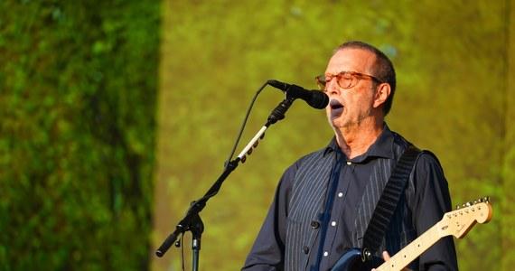 """Brytyjski gitarzysta Eric Clapton oświadczył, że nie będzie występował na koncertach, gdzie będą wymagane certyfikaty sanitarne zaświadczające o przyjęciu szczepienia przeciw Covid-19 - poinformował amerykański magazyn muzyczny """"Rolling Stone""""."""
