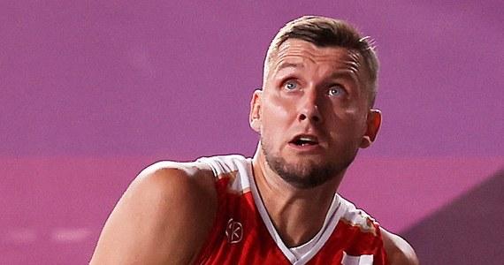 Polscy koszykarze 3x3 przegrali z Serbią 12:15 w swoim trzecim spotkaniu turnieju olimpijskiego w Tokio. To druga porażka biało-czerwonych, którzy mają też jedną wygraną. Dziś zagrają jeszcze z reprezentacją Rosyjskiego Komitetu Olimpijskiego.