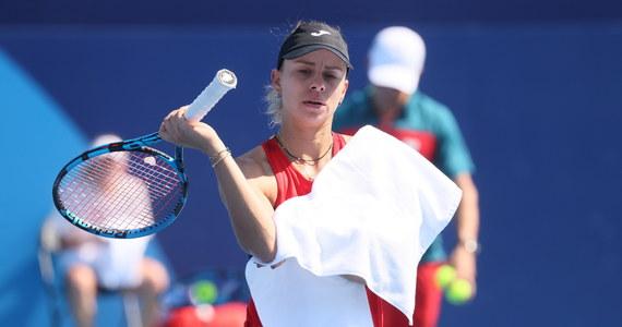 Magda Linette, która wcześniej odpadła w pierwszej rundzie singla tenisowego turnieju olimpijskiego w Tokio, pożegnała się również w tej fazie z rywalizację w grze podwójnej. W parze z Alicją Rosolską przegrały z Amerykankami Bethanie Mattek-Sands i Jessicą Pegulą 1:6, 3:6.