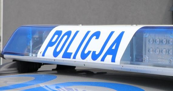 Szarpanina na stacji benzynowej w Zakopanem. Policja zwróciła uwagę grupie osób, że przebywają na stacji bez maseczek. To doprowadziło do awantury.