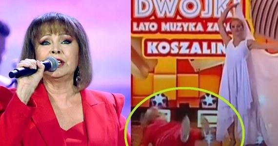 Izabela Trojanowska runęła na ziemię podczas Wakacyjnej Trasy Dwójki. W TVP aż zamarli!