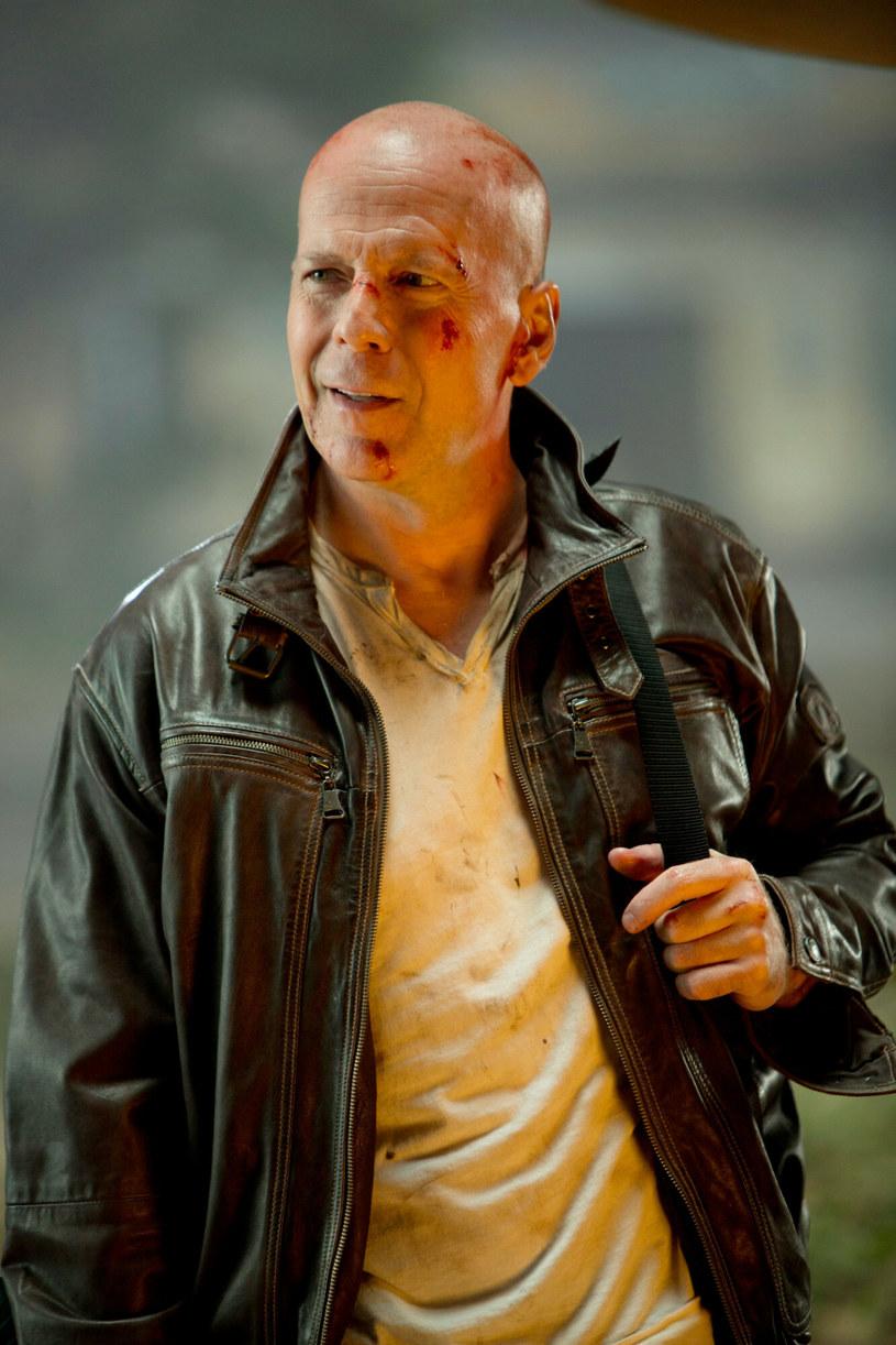 """""""Szklana pułapka"""" z 1988 roku przyniosła międzynarodową sławę występującemu w niej Bruce'owi Willisowi. W postać zaciekłego policjanta Johna McClane'a wcielał się potem jeszcze cztery razy. Miał to zrobić po raz szósty w filmie """"McClane"""", który był zapowiadany zarówno jako prequel, jak i kontynuacja. Z planów tych nic nie wyjdzie. Producent Lorenzo di Bonaventura przyznał, że studio Disneya nie jest zainteresowane realizacją kolejnej """"Szklanej pułapki""""."""