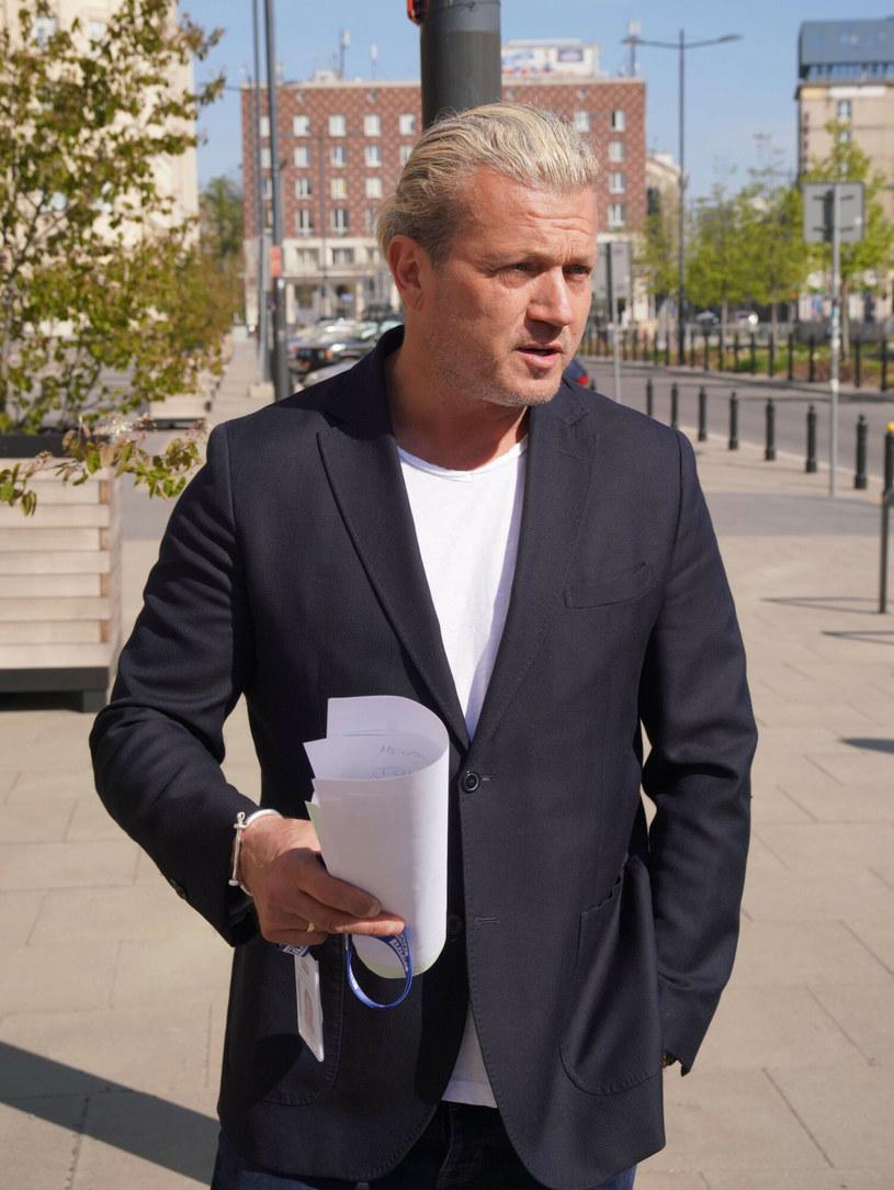"""Jarosław Jakimowicz zareagował na Iinstagramie na tzw. Lex TVN. """"Jestem za nie przedłużaniem tym szmaciarzom koncesji jak mało kto"""" - napisał współprowadzący program """"W kontrze"""" na antenie TVP Info."""