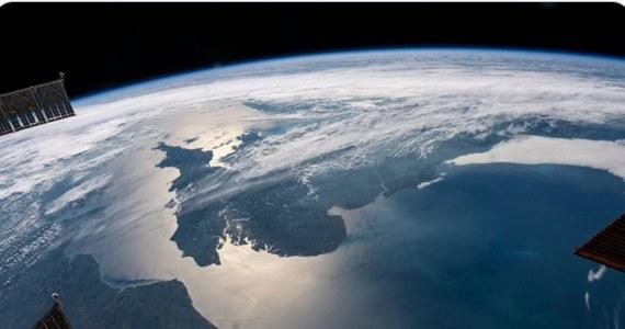 NASA odwołała planowany na piątek start rakiety z bezzałogową kapsułą Boeinga CST-100 Starliner na Międzynarodową Stację Kosmiczną (ISS). Misja została przełożona na 3 sierpnia. Na ISS po zadokowaniu problemy miał rosyjski moduł laboratoryjny Nauka, który wytrącił stację z jej normalnego lotu.