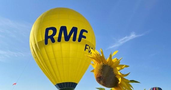 Balony reprezentujące RMF FM i Małopolskę znów będą dziś szybować po francuskim niebie. Ekipy biorą udział w największym na świecie zlocie miłośników balonów załogowych z 69 krajów w Chambley w Lotaryngii. Uczestnikom imprezy poprawił się humor, bo warunki atmosferyczne są lepsze i udało się w końcu zorganizować nocny pokaz podświetlanych balonów.