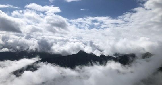Tatry można podziwiać z daleka i z bliska. Nasz reporter Maciej Pałahicki z przewodnikiem tatrzańskim, świetnym biegaczem górskim i narciarzem wysokogórskim - Przemkiem Sobczykiem, postanowili przybliżyć Wam te widoki i wybrali się na najbardziej charakterystyczną tatrzańska górę - Giewont.