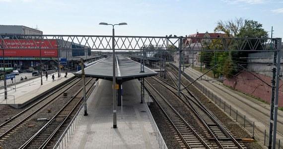 Poważna awaria systemu sterowania ruchem sparaliżowała w piątkowe popołudnie dworzec Poznań Główny. Opóźnienia niektórych pociągów sięgnęły kilku godzin.