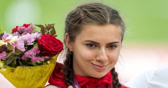 Białoruska lekkoatletka Kryscina Cimanouska ma się dobrze i dziękuje nam wszystkim za wyciągnięcie pomocnej dłoni przeciwko tym, którzy nie życzą jej dobrze - napisał na Twitterze ambasador Polski w Japonii Paweł Milewski. Sportsmenka, w związku z krytyką działań władz sportowych swojego kraju, została odsunięta od udziału w igrzyskach olimpijskich w Tokio, a funkcjonariusze próbowali ją zmusić do wylotu na Białoruś przez Stambuł.