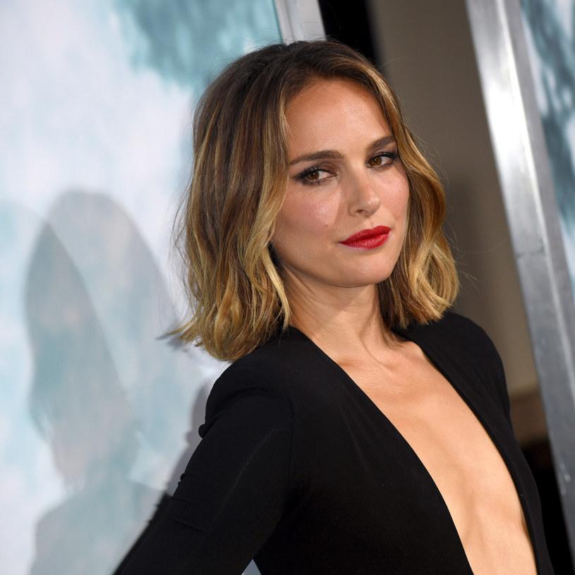 """Adaptacji powieści Eleny Ferrante """"Czas porzucenia"""" nie będzie. A przynajmniej nie będzie to realizacja HBO. Bo gdy okazało się, że Natalie Portman nie bierze udziału w projekcie, HBO także się wycofało. Powody, dlaczego aktorka zrezygnowała nie są do końca jasne."""