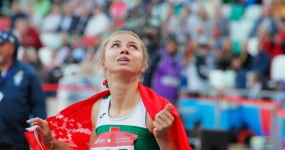 """""""Chciałabym kontynuować karierę sportową, ale teraz najważniejsze jest bezpieczeństwo"""" – powiedziała agencji AP białoruska sprinterka Kryscina Cimanouska. Zaapelowała o śledztwo wobec białoruskich funkcjonariuszy sportowych. Sportsmenka, w związku z krytyką działań władz sportowych swojego kraju, została odsunięta od udziału w igrzyskach olimpijskich w Tokio, a funkcjonariusze próbowali ją zmusić do wylotu na Białoruś przez Stambuł."""