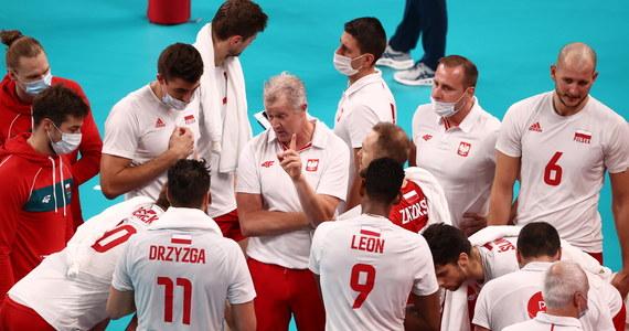 Klątwa ćwierćfinału na igrzyskach wciąż działa na Polaków! Nasza reprezentacja siatkarzy przegrała z Francją w ćwierćfinale turnieju olimpijskiego w Tokio. Mecz rozstrzygnął się w tie-breaku. Po raz piąty z rzędu biało-czerwoni zakończyli zmagania na igrzyskach na tym etapie.