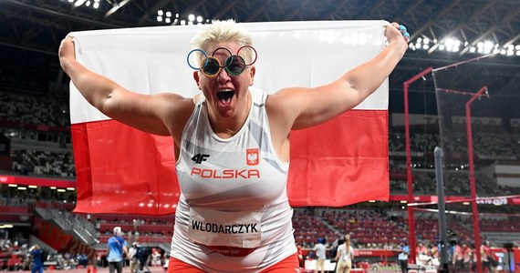 """""""Wygrało doświadczenie. Były to moje czwarte igrzyska. Wszystkie byłyśmy na pewno dobrze przygotowane, natomiast kwestia psychiki odegrała najważniejszą rolę"""" - mówiła Anita Włodarczyk po zdobyciu złotego medalu w rzucie młotem na igrzyskach w Tokio. """"Trzeci medal olimpijski to było moje marzenie"""" - podkreślała."""