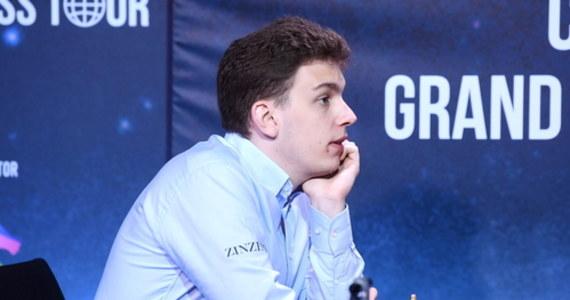 Jan-Krzysztof Duda pokonał po dogrywce mistrza świata Norwega Magnusa Carlsena 2,5:1,5 w półfinale Pucharu Świata w szachach, rozgrywanego w Soczi. Arcymistrz z Wieliczki jako pierwszy Polak w historii zapewnił sobie awans do turnieju kandydatów. W finale PŚ zmierzy się z Rosjaninem Siergiejem Karjakinem.