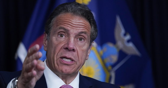 Gubernator Nowego Jorku Andrew Cuomo dopuścił się molestowania seksualnego 11 współpracujących z nim kobiet - przekazali śledczy z zespołu stanowej prokuratury w opublikowanym raporcie. Mimo to wywodzący się z Partii Demokratycznej polityk zapowiedział, że nie poda się do dymisji. Do ustąpienia z urzędu gubernatora wzywa prezydent USA.