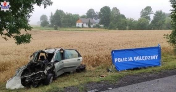 Jest areszt tymczasowy dla 62-latka podejrzanego o spowodowanie poniedziałkowej tragedii na drodze krajowej numer 12. W wypadku zginęły dwie osoby, a 9 zostało rannych. Mężczyzna uciekł z miejsca wypadku. Nie przyznał się do winy.