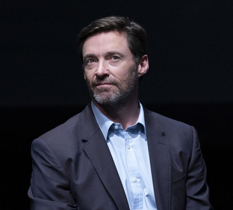 """Najnowsze wyniki biopsji Hugh Jackmana są """"niejednoznaczne"""". Aktor już sześć razy był w przeszłości leczony z powodu raka skóry."""