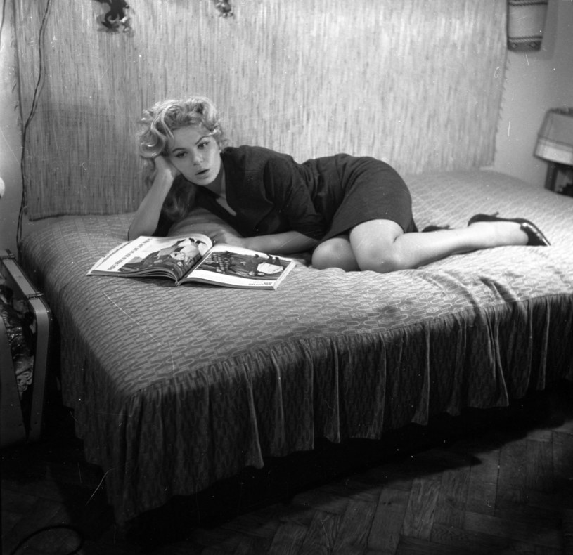 """Aktorka Irena Karel, znana z ról w takich obrazach jak: """"Pan Wołodyjowski"""", """"Chłopi"""", czy """"Kochaj albo rzuć"""", była jedną z pierwszych seksbomb rodzimej kinematografii. Zyskała przydomek """"polskiej Brigitte Bardot""""."""