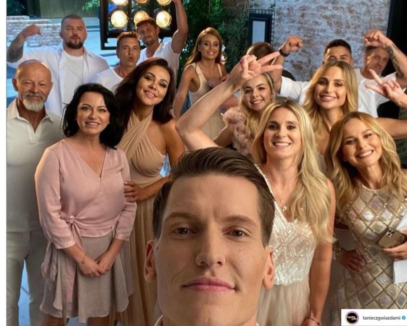 """""""Taniec z Gwiazdami"""" wkrótce po raz kolejny powróci na antenę Polsatu, ale o tej edycji już teraz jest głośno. Niektórym fanom nie spodobało się to, jak przedstawione zostały dwie uczestniczki show - Izabela Małysz i Kajra. Nie wszyscy jednak zgadzają się z tą opinią."""