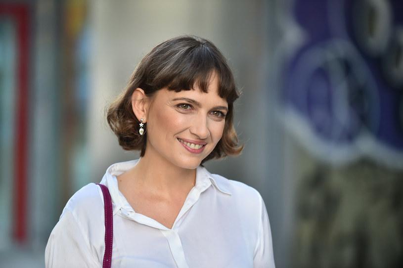 """Anna Cieślak i Edward Miszczak wkrótce staną na ślubnym kobiercu, a uroczystość już wzbudza wiele emocji w polskim show-biznesie. Gwiazda serialu """"Szadź"""" pokazała ostatnio w """"Dzień dobry TVN"""" nową fryzurę, a w mediach społecznościowych, w jaki sposób odpoczywa przed uroczystością."""
