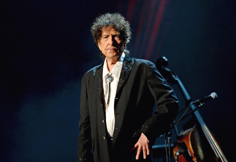Bob Dylan został oskarżony przez anonimową kobietę, która zarzuciła mu, że w 1965 roku dopuścił się w stosunku do niej molestowania i przemocy. Do sądu trafił pozew ze szczegółowym opisem wydarzeń sprzed ponad 50 lat.