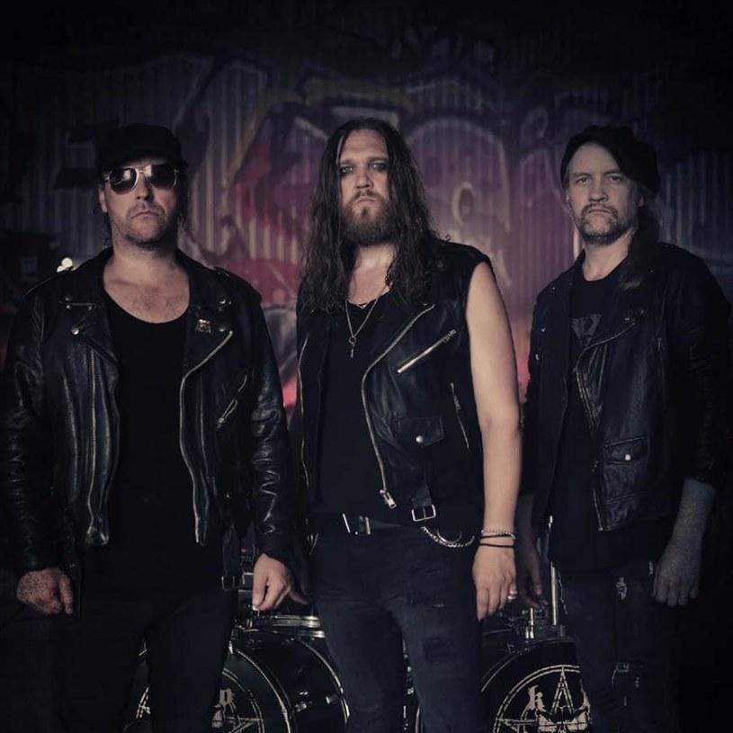 Heavymetalowe trio Knights Of The Realm ze Szwecji opublikuje w listopadzie pierwszą płytę.