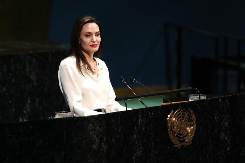 Angelina Jolie zadebiutowała na Instagramie. Pierwszy wpis amerykańska gwiazda poświęciła listowi, jaki otrzymała od afgańskiej nastolatki, w której dziewczyna opowiedziała o strachu związanym z przejęciem władzy w kraju przez talibów.