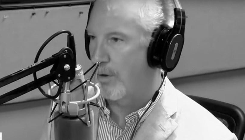 21 sierpnia w wieku 61 lat zmarł Phill Valentine - konserwatywny dziennikarz radiowy z Nashville, który w ostatnich miesiącach w swoich audycjach podważał zagrożenia związane z pandemią koronawirusa oraz wyśmiewał szczepienia. Mężczyzna zmarł na COVID-19, a ostatnie tygodnie spędził pod aparaturą ratującą życie.