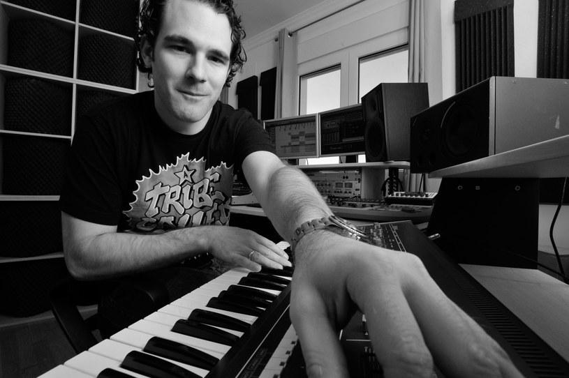 Znany amerykański DJ i producent muzyki house, Ian Carey, zmarł 20 sierpnia w wieku 46 lat.