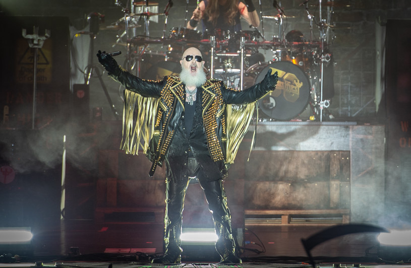 """""""Metalowy Bóg"""", czyli Rob Halford 25 sierpnia skończył 70 lat. Wokalista ze swoją grupą Judas Priest szykuje się do jubileuszowej trasy """"50 Heavy Metal Years Tour"""". W jej ramach wystąpi podczas Mystic Festival 2022 w Gdańsku."""