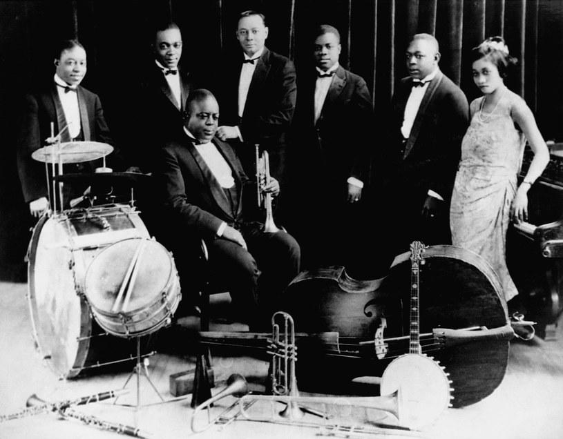 27 sierpnia minie 50 lat od śmierci Lil Hardin - drugiej żony Louisa Armstronga. Wybitna jazzowa pianistka - grając koncert ku pamięci zmarłego byłego męża - miała atak serca. O tej historii w #67 Pełni Bluesa. Do dzisiejszej playlisty dodamy także wspomnienia z włoskich bluesowych pubów oraz sprawdzimy, jak brzmi Nowa Zelandia.