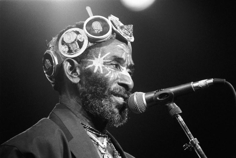 """Legenda muzyki reggae - Lee """"Scratch"""" Perry - zmarł w jednym z jamajskich szpitali 29 sierpnia w wieku 85 lat."""