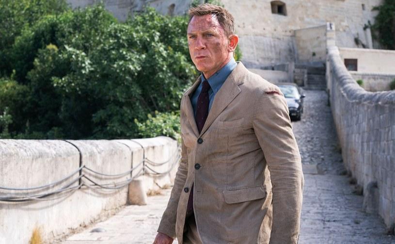 """Czekający od ubiegłego roku na premierę 25. film z serii przygód agenta Jej Królewskiej Mości Jamesa Bonda """"Nie czas umierać"""" ma pojawić się w kinach 28 września tego roku. Zobaczyć go będą mogli również widzowie festiwalu filmowego w Zurychu, gdzie znalazł się w tzw. oficjalnej selekcji tytułów. Tym samym dzieło wyreżyserowane przez Cary'ego Joji Fukunagę będzie pierwszym """"Bondem"""", który zostanie zaprezentowany na międzynarodowym festiwalu filmowym."""