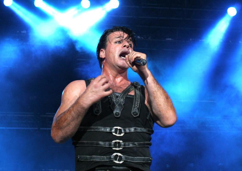 Till Lindemann, wokalista zespołu Rammstein, został zatrzymany przez policję w rosyjskim Twerze. Zatrzymano także menedżera muzyka, Anara Reibanda.