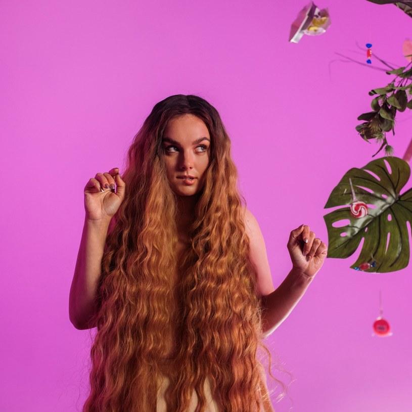 """Ewa Farna opublikowała nowy singel """"No nie"""". To drugi utwór promujący nadchodzący album wokalistki."""