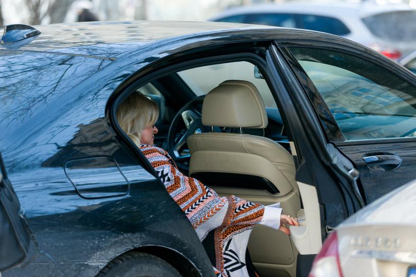 Warszawscy policjanci zatrzymali 61-letnią kobietę, która prowadziła samochód pod wpływem alkoholu. W organizmie miała 2 promile - poinformował rzecznik mokotowskiej policji podkom. Robert Koniuszy. Według informacji PAP, zatrzymana to Beata P., współzałożycielka oraz wokalistka zespołu Bajm.