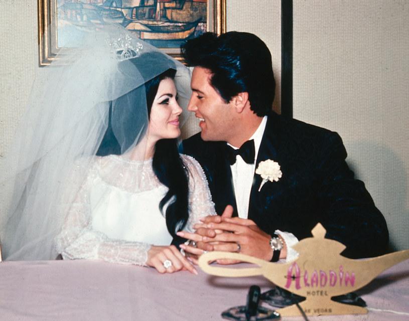 Priscilla Presley wyznała w wywiadzie, że jednym z wyzwań w życiu z królem rock'n'rolla był fakt, że potrafi być porywczy. Czymś normalnym było dla niego na przykład strzelanie w furii z pistoletu do telewizora.