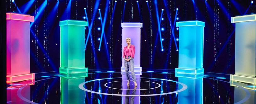 """""""Magia nagości"""" miała zadebiutować na antenie Zoom TV 14 maja, jednak wówczas premiera kontrowersyjnego show została niespodziewanie przełożona. Pierwszy odcinek polskiej edycji kontrowersyjnego show zobaczyliśmy w piątek o godz. 23."""