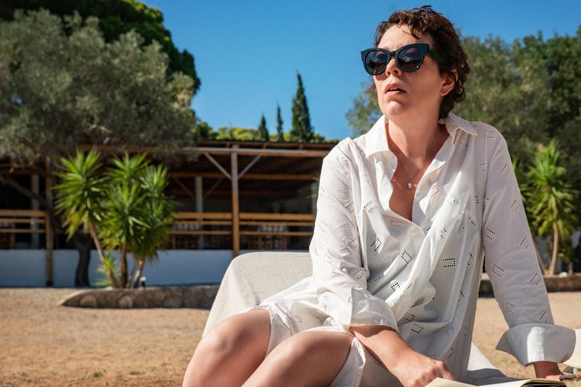 """W """"The Lost Daughter"""" chcieliśmy pokazać zarówno radość i miłość, jak również ciemność i desperację, które też zawierają się w rodzicielstwie - mówiła w Wenecji Maggie Gyllenhaal. Debiut reżyserski cenionej aktorki, jeden z tytułów pretendujących do Złotego Lwa, zachwycił krytyków i publiczność."""