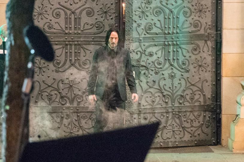 """W czwartek 9 września widzowie na całym świecie zobaczą zwiastun filmu """"Matrix Zmartwychwstania"""". W oczekiwaniu na zapowiedź czwartej części """"Matriksa"""" można już zobaczyć migawki z tej wyczekiwanej produkcji. Udostępniona została bowiem oficjalna strona internetowa filmu WhatIsTheMatrix.com."""
