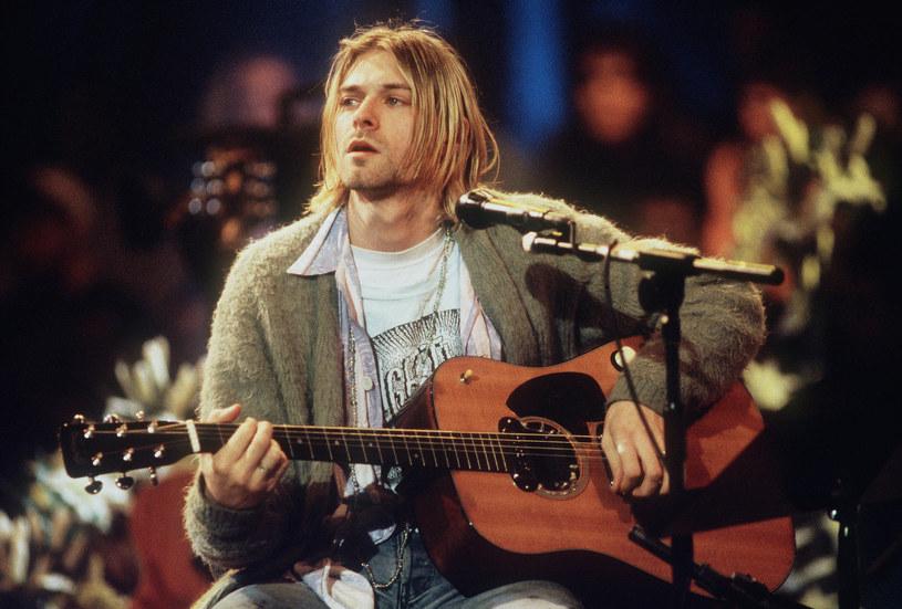 """Kultowa piosenka to hymn całego pokolenia. """"Smells Like Teen Spirit"""" zapoczątkowało erę grunge'u i rozpoczęło karierę zespołu dowodzonego przez Kurta Cobaina. 10 września obchodzimy dokładnie 30 lat od momentu ukazania się piosenki."""
