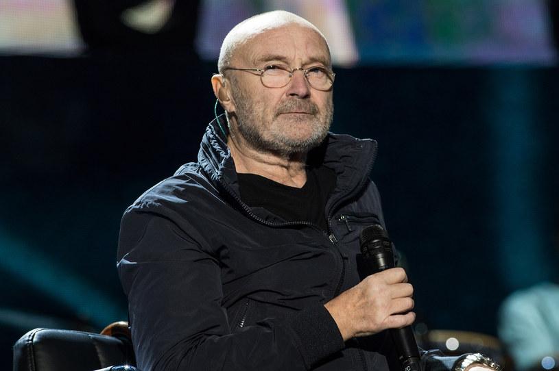 W latach 80. był jednym z najpopularniejszych wokalistów. Odnosił sukcesy solowo, a także z grupą Genesis, której był frontmanem. W tym roku legenda brytyjskiego rocka ma powrócić na scenę, tymczasem, jak się okazuje, Phil Collins jest w nienajlepszej kondycji.