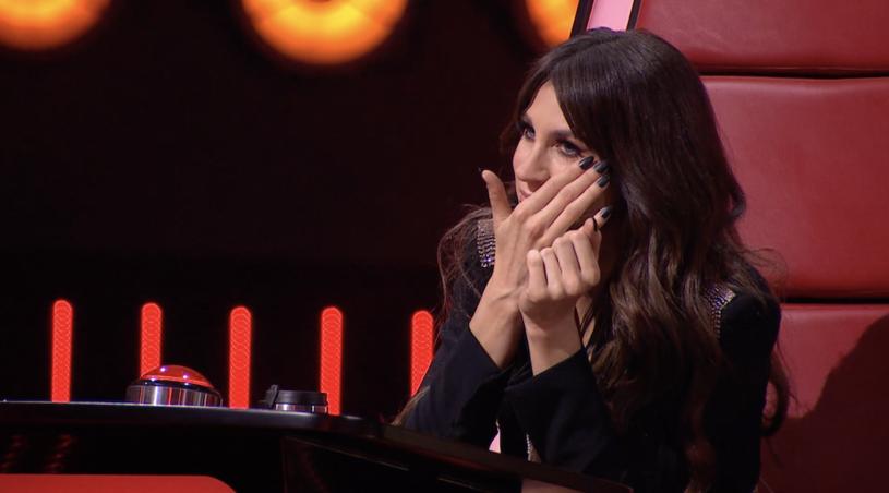 """W pierwszym odcinku nowej serii """"The Voice of Poland"""" nie zabraknie emocji i wielkich wzruszeń. Podczas występu jednej z uczestniczek, nowa trenerka Sylwia Grzeszczak nie mogła ukryć łez. Co doprowadziło ją do płaczu?"""
