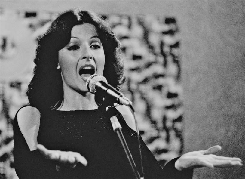 """María Mendiola, najbardziej znana jako połowa hiszpańskiego duetu Baccara, która śpiewała przebój """"Yes Sir, I Can Boogie"""", zmarła w wieku 69 lat."""