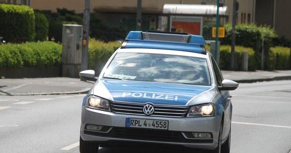 Niemiecka prokuratura umorzyła śledztwo w sprawie zabójstwa polskiego kierowcy w Hof w Bawarii. Sprawca, 43-letni Niemiec, został uznany za niepoczytalnego. Według biegłych, mężczyzna cierpi na poważną chorobę psychiczną.