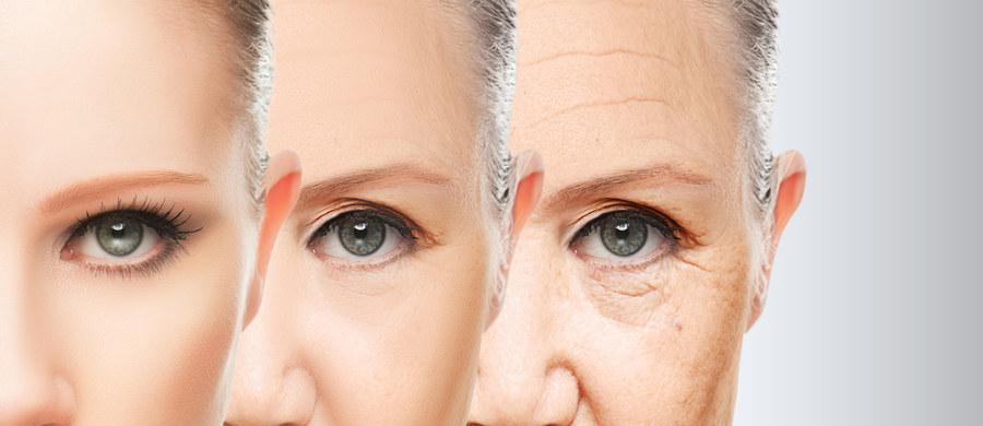 Starzenie skóry choć przebiega stopniowo, jest niestety nieuniknione. To bardzo złożony, biologiczny proces, który prędzej czy później dotknie każdego z nas. Można go jednak traktować jak chorobę przewlekłą i zapobiegać oraz przeciwdziałać mu, dzięki czemu skóra pozostanie w dobrym stanie mimo upływu lat. Jak to robić radzi dermatolog i lekarz medycyny estetycznej dr Joanna Sułowicz.